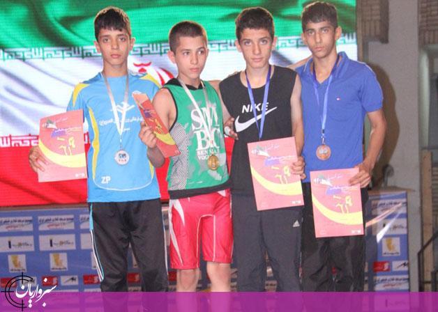 درخشش نونهال سبزواری در رقابتهای قهرمانی کشتی کشور