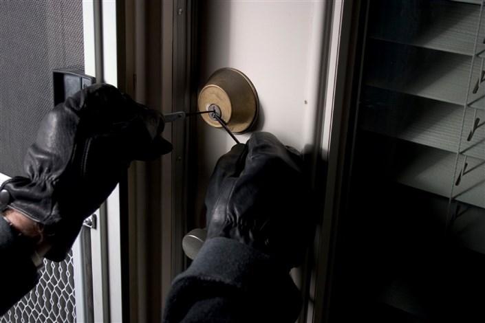 دستگیری باند سارقان حرفهای منزل توسط پلیس سبزوار