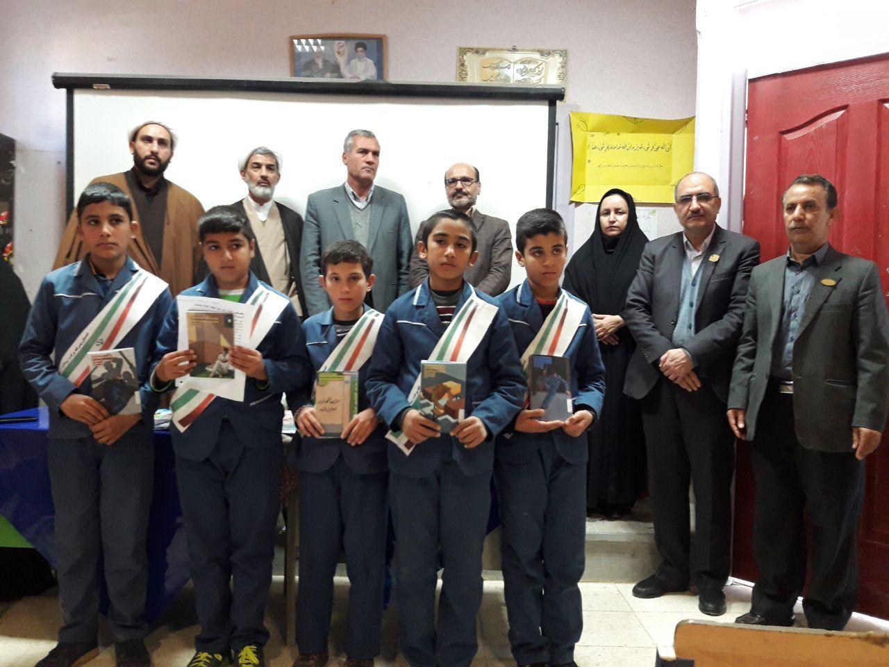برگزاری نشست کتابخوان مدرسه ای در مدرسه ابتدایی پسرانه برکت روداب سبزوار