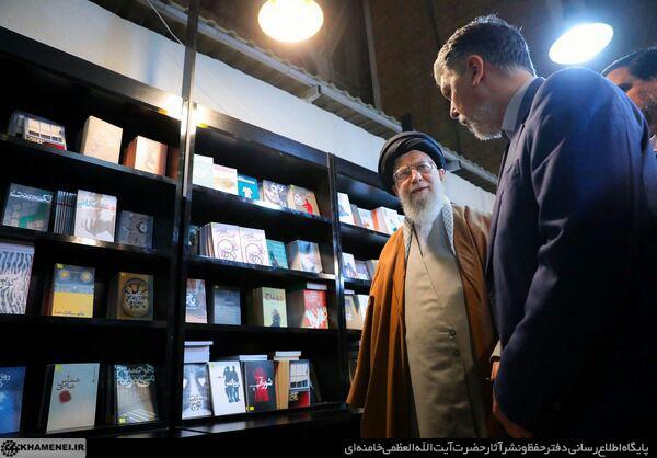 پرسش رهبر انقلاب از وضعیت فروش کتاب نویسنده سبزواری