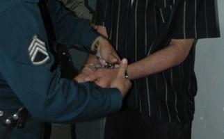 دستبند پلیس به ۲۷ سال فرار پایان داد/ دستگیری قاتلی که گواهی فوتش را هم صادر کرده بود