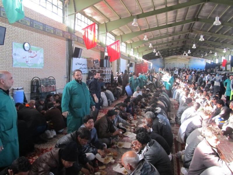 ایستگاه صلواتی با توزیع روزانه ۱۲ هزار غذا در داورزن برپا شد
