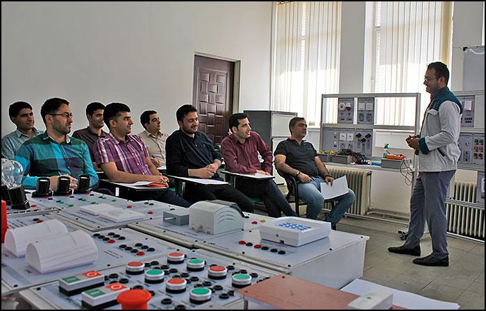 آموزش کارکنان فولاد مبارکه اصفهان در مرکز رشد دانشگاه آزاد اسلامی سبزوار