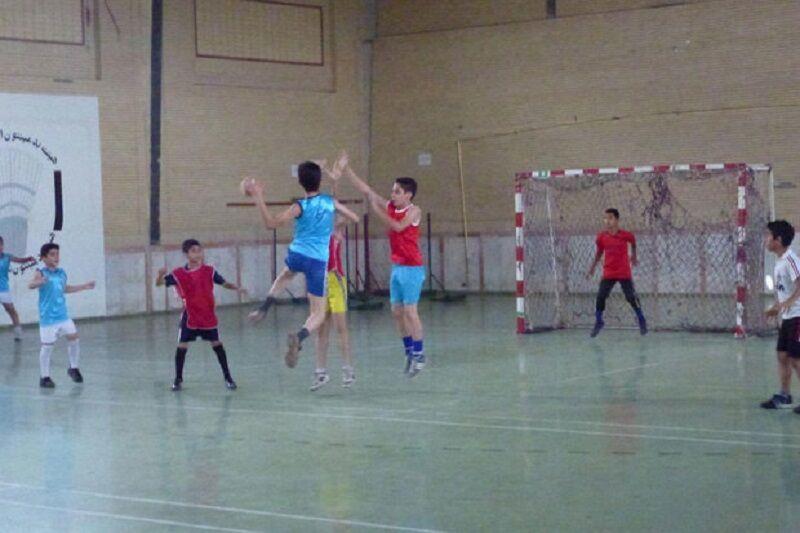 مسابقات هندبال منطقهای نونهالان در سبزوار آغاز شد