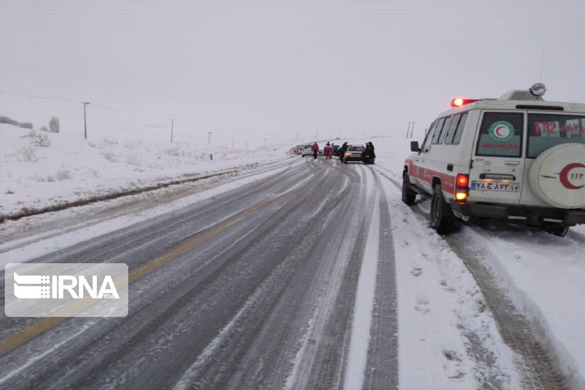 ۲۱۰ مسافر گرفتار در برف و کولاک در سبزوار نجات یافتند