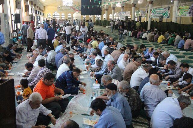 سه هزار عزادار فاطمی در سبزوار اطعام شدند