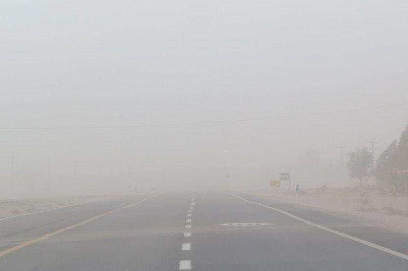 توفان با سرعت ۹۰ کیلومتر شهرستان جوین را درنوردید