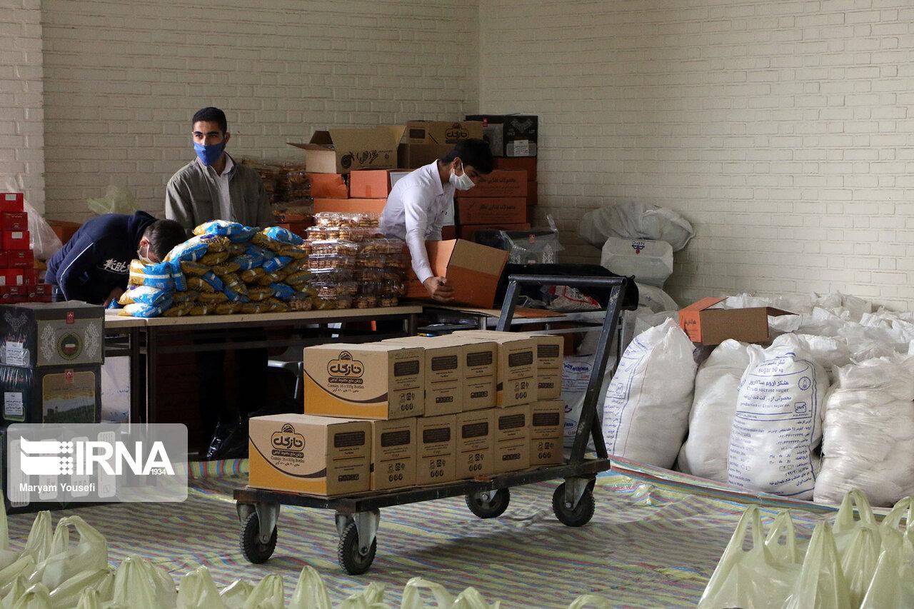 ۱۲۱۵ سبد کالا ویژه ماه رمضان در ششتمد سبزوار توزیع شد