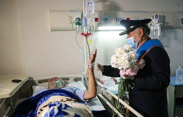 خادمان مسجد جمکران از بیماران بیمارستانهای سبزوار عیادت کردند